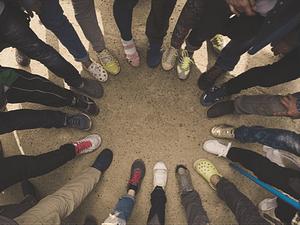 Visual Icebreaker feet in circle